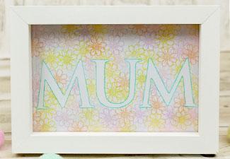 How to Make a Pretty Mum Frame
