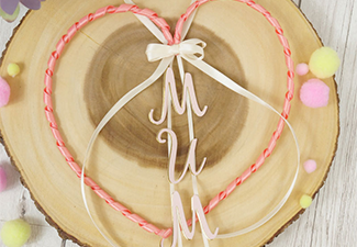 How to Make a Heart Hanger Perfect for Mother's Day